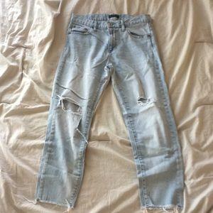 Uniqlo | Destroyed Light Wash Jeans